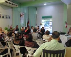 Defensores participam da reunião na sede da Adpep.